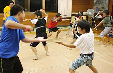 沓掛の獅子舞 子供達が獅子舞を練習している様子