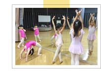 ニシムラヤスコダンスファクトリーの生徒たち
