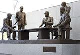 「五人の像」