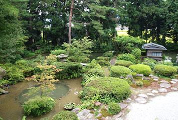 松桜閣のお庭