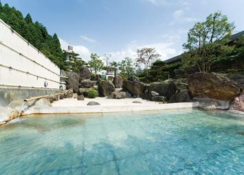 バーデン明日の庭園露天風呂