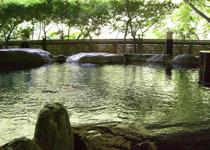 露天風呂「琴音の湯」岩風呂