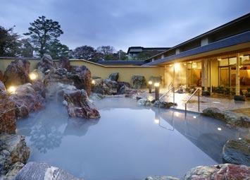 金太郎温泉カルナの館 日本最大級の岩風呂